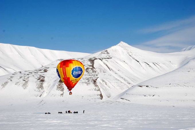Svalbard. The Northermost adventure of Lierne baloon