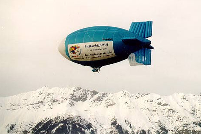 Hot-air Airship AV 2 over the Alps!