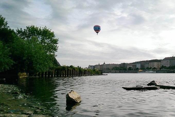 Andrew Parker flying in Prague